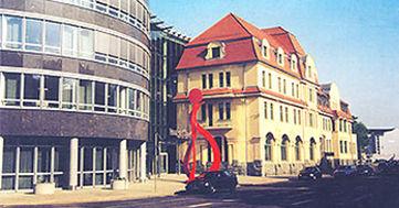 019 C2 Vorplatz Zms Skulptur Bi 019